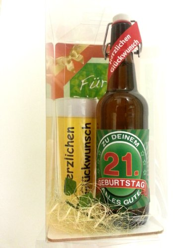Geschenk Set, Bierset Bier Geschenk zum 21. Geburtstag das bei Frau und Mann immer gut ankommt, Bierflasche mit Etikett, Glas Bierkrug und Geschenk Postkarte